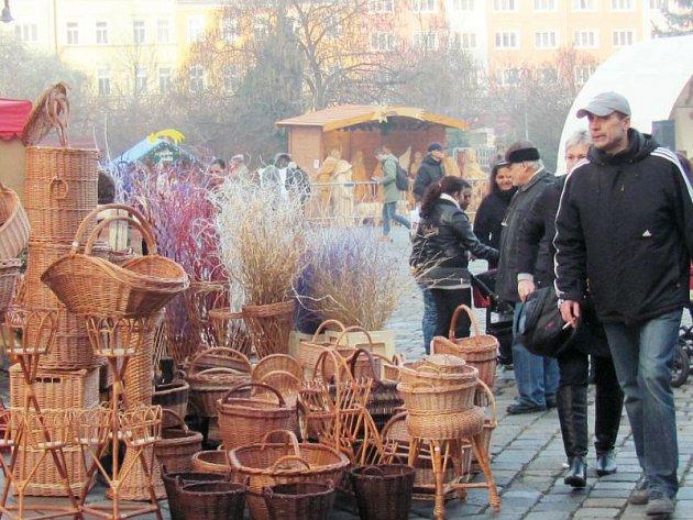 Snímek z vánočních trhů v Krnově. I na této fotografii může být příští prezident.