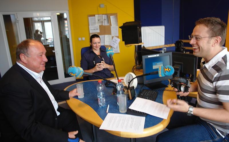 """""""Já bych kastroval, až bych brečel!"""" pobavil nedávno v živém vysílání rádia Vítězslav Jandák."""