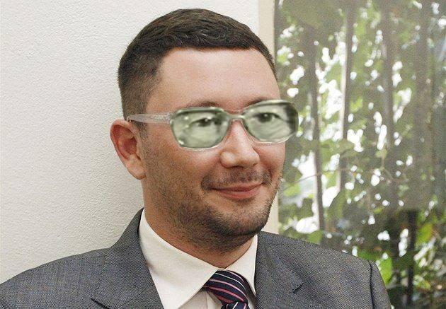 Jiří Ovčáček zůstal bez svého hradního pána osamocen! Nyní opouští prostory Hradu i on!