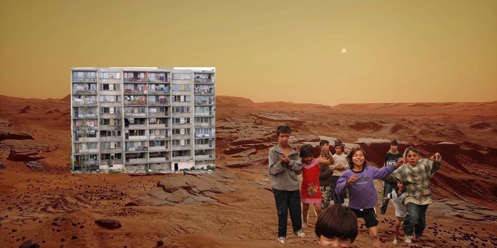 Fotografie, která vejde do historie! Takto zachytila Curiosity Marťany na svém prvním snímku.
