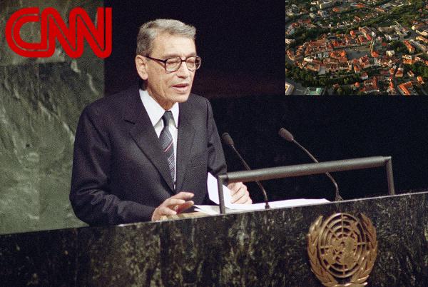 V roce 1994 všechny světové televize přenášely živě zásadní projev generálního tajemníka OSN hovořícího o možnosti 3. světové války z důvodu ambicí města Chrudim.