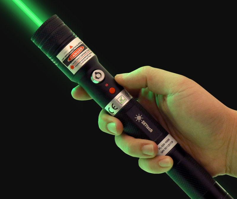 Zhruba tímto laserem mjr. Lipnianský hrdinsky zpacifikoval nebezpečné tele.