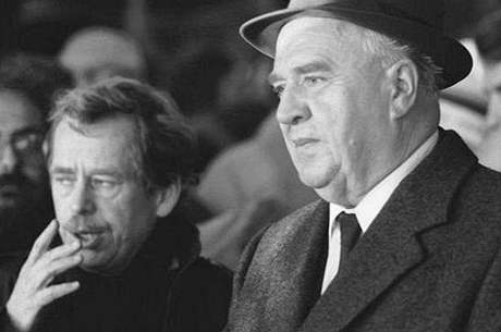 Šokovaný Havel právě vyslechl z úst Ladislava Adamce pravdu o Karu Krylovi!