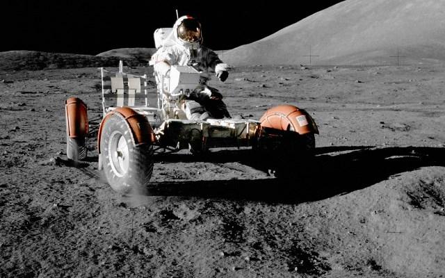 Ještě v pokročilém věku 63 let, musel se český kosmonaut Kryštof Topinka prohánět v tomto vozítku. Toto již naštěstí hrozit nebude.