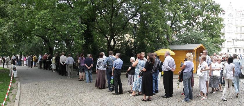 Jediné obavy serveru POHROM však jsou z front, kterým se pražští hospodští zřejmě nevyhnou.