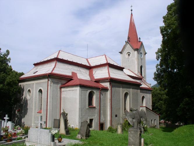 V jedné z hrobek bernartického hřbitova se ukrýval Broněk - asi nejvytrvalejší hráč schovky na světě!